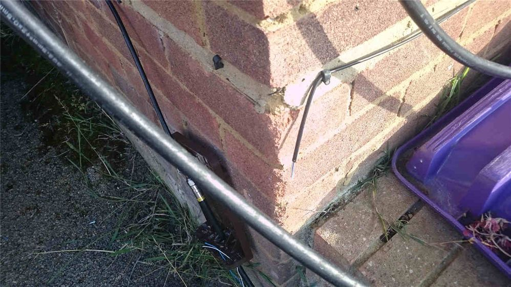 Thats my old phone line as he left it - cut