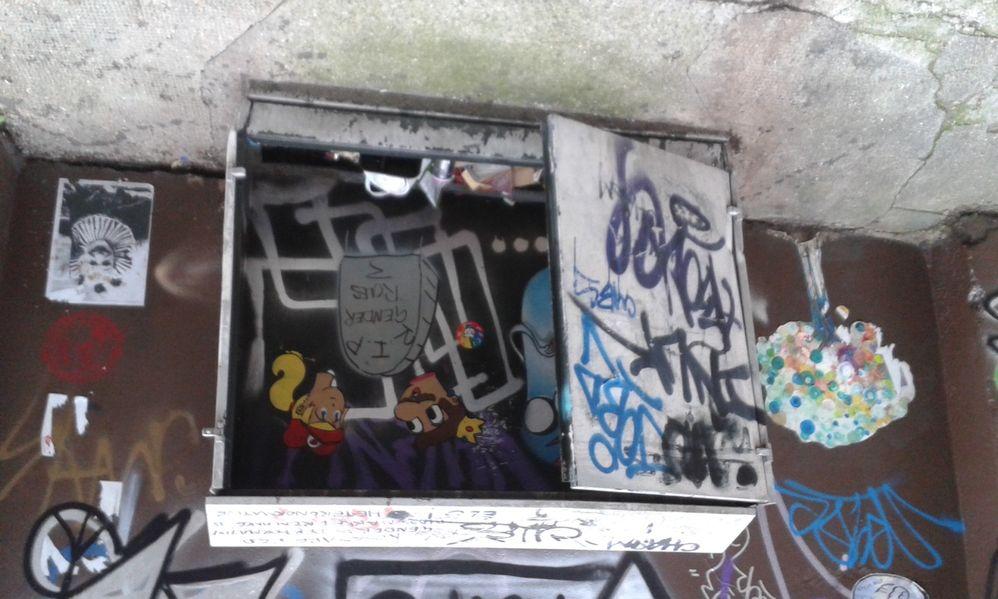 Dumped rubbish in broken cabinet, Corbet Street E1 (23rd Sept 2017)