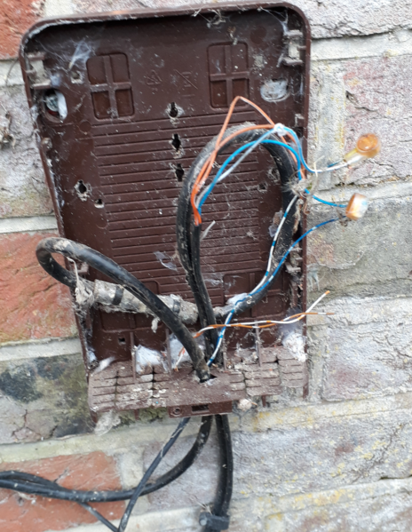 Sensational Solved Not A Customer Want To Remove Outside Cabling Virgin Wiring Cloud Nuvitbieswglorg